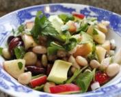 piatto di insalata salutare