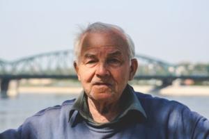 uomo anziano
