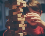 Bambino che gioca