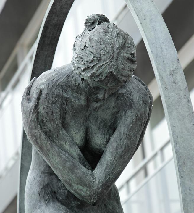 statua presente nel cimitero dei feti